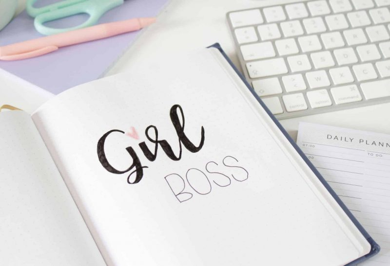 Ma vie de Girlboss: Comment aménager son espace de travail ?